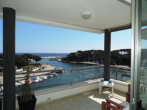 Magnificent penthouse in the Conca beach area